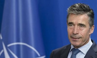 Andersas Foghas Rasmussenas: Rusijos kariai neteisėtai pateko į Ukrainą