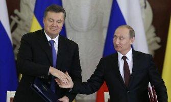 Radoslawas Sikorskis: V.Putinas V.Janukovyčiui grasino, kad atims Krymą