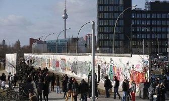 Berlyno sienos griūties 25-ąsias metines žymės didelė gatvės šventė Vokietijos sostinėje