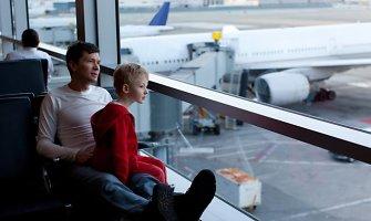 Ką reikia žinoti, skrendant su mažu vaiku?