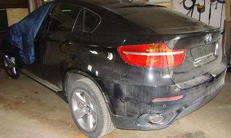 Sutriuškinta 106 prabangias vogtas mašinas gabenusi gauja, kuriai talkino ir Kauno policininkas