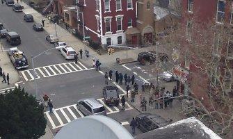 Po policininkų nužudymo Niujorke – kaltųjų paieškos ir artimųjų sielvartas