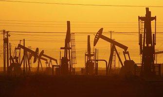 OPEC valstybės pasiekė bendrą sprendimą nemažinti naftos gavybos