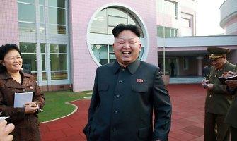 Pietų Korėjos žvalgai išsiaiškino, kad Kim Jong Unas buvo dingęs dėl pėdos sąnario operacijos