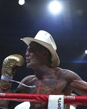 Mickey Rourke ir Ellioto Seymouro kova bokso ringe