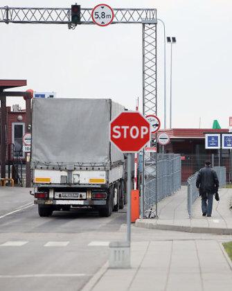 Linui Linkevičiui Rusijos transporto ministras pažadėjo pasirūpinti vairuotojais