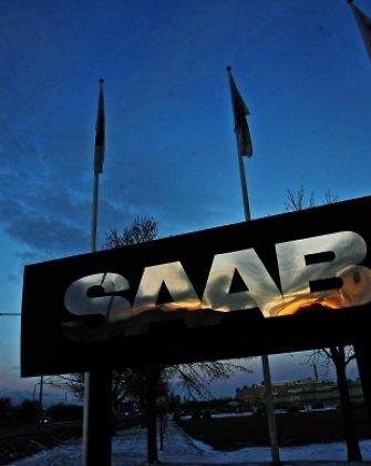 """Švedijos """"Saab"""" atleido beveik trečdalį darbuotojų"""