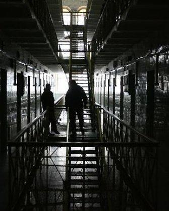 Lietuvio košmaras Izraelyje: vietoj jūros – trys paros ant metalinės lovos areštinėje, Izraeliui išsiųsta nota
