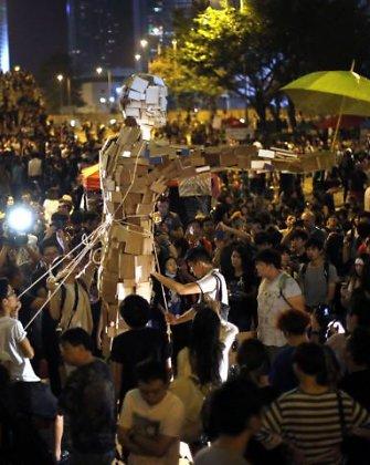 Honkonge sparčiai plinta naujas būdas rengti protestus