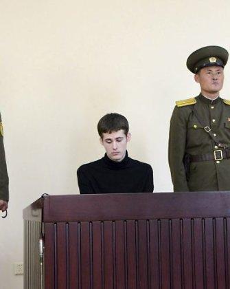 Šiaurės Korėja nuteisė amerikietį šešeriems metams sunkiųjų darbų