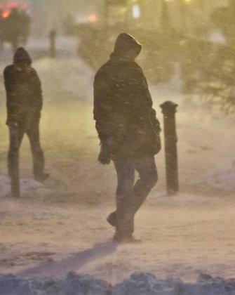 JAV šiaurės rytuose siaučianti pūga paralyžiavo Niujorką