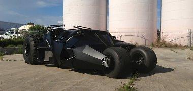 Milijoną dolerių kainuojanti Betmeno automobilio interpretacija