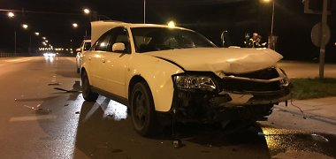 Girta Lazdijų kriminalinės policijos tyrėja Alytuje sukėlė avariją