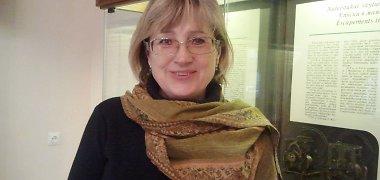 Muziejininkė Giedrė Kalzonienė apie nepriklausomą Lietuvą: nebūna namų be dūmų