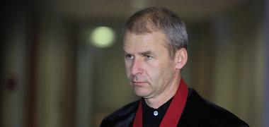 D.Kedžio surengtų žudynių byloje išteisintiems pareigūnams siūloma skirti per 13 tūkst. eurų baudas