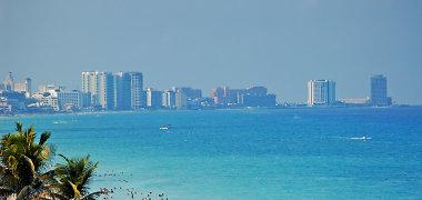 Zikos virusas gali numarinti turistų rojumi laikomų salų ekonomikas