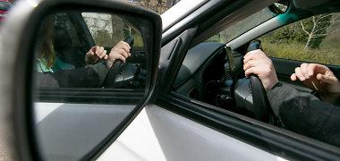 """Pradedančiojo vairuotojo dienoraštis VIII. Pasiruošimas """"Regitrai"""": demoralizacijos dienos"""