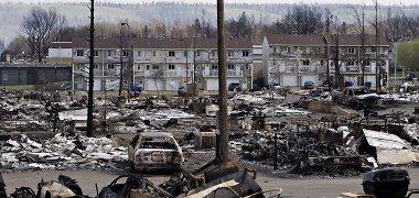 Atokvėpis baigėsi: naftininkai Kanadoje vėl bėga nuo ugnies
