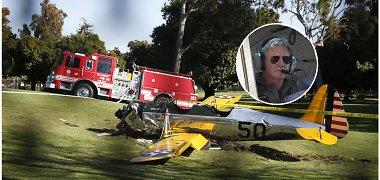 Sudužo aktoriaus Harrisono Fordo pilotuojamas lengvasis lėktuvas