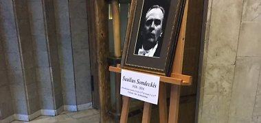 Vyksta atsisveikinimas su Sauliumi Sondeckiu