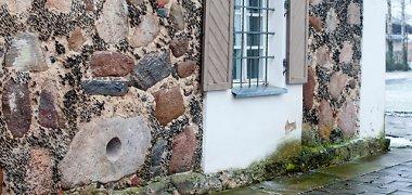 Naisiuose aptiktas istorinis radinys – baltų šventvietės akmuo