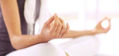 Meditacija: 10 minučių produktyvumui, sveikatai ir miegui