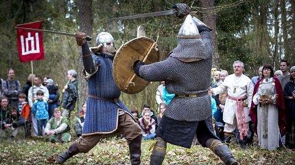 Senovės baltų tikėjimo gerbėjai budino žemę kardais ir liepsnomis