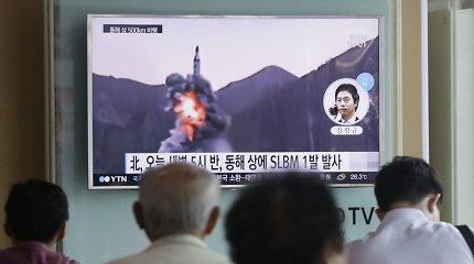 Šiaurės Korėjos atsakas JAV ir Pietų Korėjos karinėms pratyboms: paleido balistinę raketą