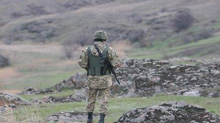 Buvęs JAV ambasadorius Rusijoje: situacija Ukrainoje nebus išspręsta dar ilgai