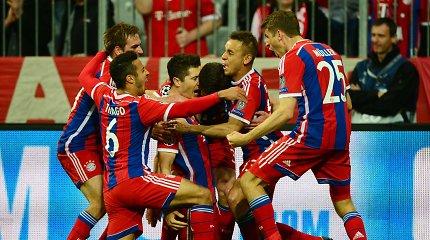 """Čempionų lygos pusfinalininkai: """"Bayern"""" sumaitojo """"Porto"""", """"Barcelona"""" nugalėjo PSG"""