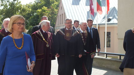 Lenkijos prezidentą Bronisławą Komorowskį Kaune sveikino po ligos pakilęs Valdas Adamkus
