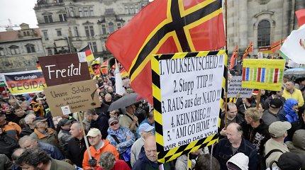 Vokietiją purto ekstremistų smurtas prieš pabėgėlius