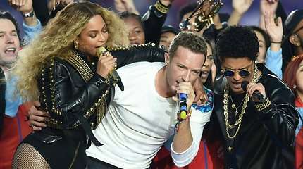 """""""Super Bowl"""" sporto fiestoje – muzikiniai žvaigždžių pasirodymai"""