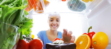 Nustebsite sužinoję, ką derėtų laikyti šaldytuve, o ko – ne