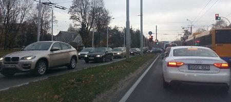 Vėlinių spūstys Vilniuje susiformavo jau nuo antros valandos