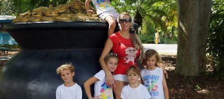 """Erika Santos pirmąkart su savo 6 vaikais pramogavo zoologijos sode: """"Prisiminiau vaikystę"""""""