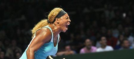 Serena Williams iškovojo dramatišką pergalę ir finale kovos su Simona Halep