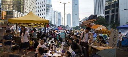 """Honkongo lyderis kaltina """"išorines jėgas"""" dalyvavimu protestuose"""