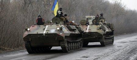 """Teroristai meta į Debalcevo katilą 95 proc. visų pajėgų, """"Grad"""" šaudo be pertraukų"""