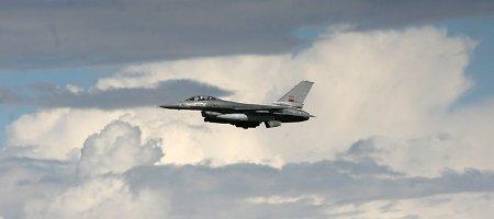 Į Zoknius atskrido 6 Portugalijos naikintuvai – NATO bazėje jų jau 18