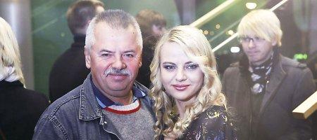 Pasveikinti Mariaus Jampolskioatvyko ne tik žmona Renata, bet ir uošvis Viktoras
