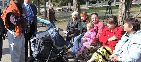 Dėl karo Ukrainoje savo namus jau paliko daugiau nei 824 tūkst. žmonių
