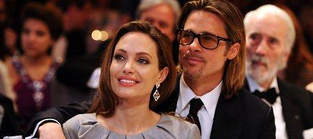 Angelinos Jolie ir Brado Pitto vestuvės: kiek svečių, kokia suknelė, kur medaus mėnuo?