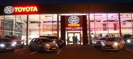 """""""Toyota"""" salono atidarymo Panevėžyje akcentas – Benedikto Vanago """"Hilux"""""""