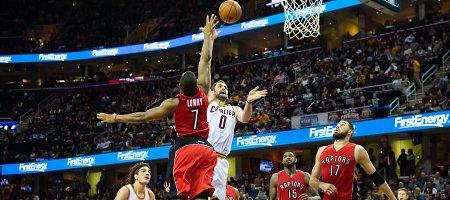 """""""Raptors"""" įveikė LeBrono Jameso vedamą """"Cavaliers"""", Jonas Valančiūnas nežibėjo"""