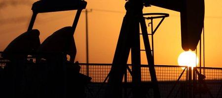 Naftos kainų smukimas gali pakelti Lietuvos ekonomiką