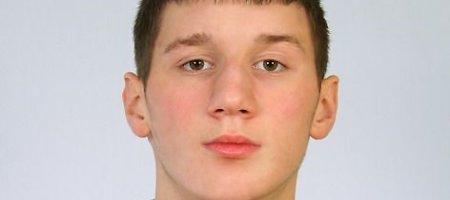 Lentvaryje pradingęs ir Kaune be sąmonės rastas aštuoniolikmetis Dmitrijus Knelis policijai užminė mįslę