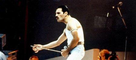 "Lapkričio 24-oji: 1991 m. nuo AIDS mirė legendinės grupės ""Queen"" vokalistas Freddie Mercury"