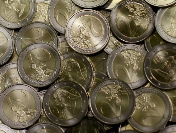 """Reuters""/""Scanpix"" nuotr./Dvejų eurų monetos"