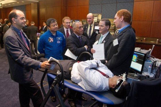 KTU nuotr./KTU Telematikos MC ir Vittamed technologijos demonstruojamos JAV kongresui ir NASA vadui